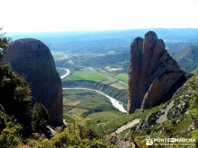 Viaje Semana Santa - Mallos Riglos - Jaca; singles madrid senderismo; viajes trekking;mochilas de se